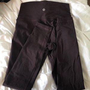 Maroon Lululemon high waisted leggings
